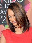 Perruque lisse de style lace front tyra banks