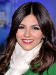 Perruque full lace de style luxueuse victoria justice