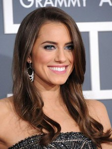 Perruque lace front de coiffure ondulée allison williams